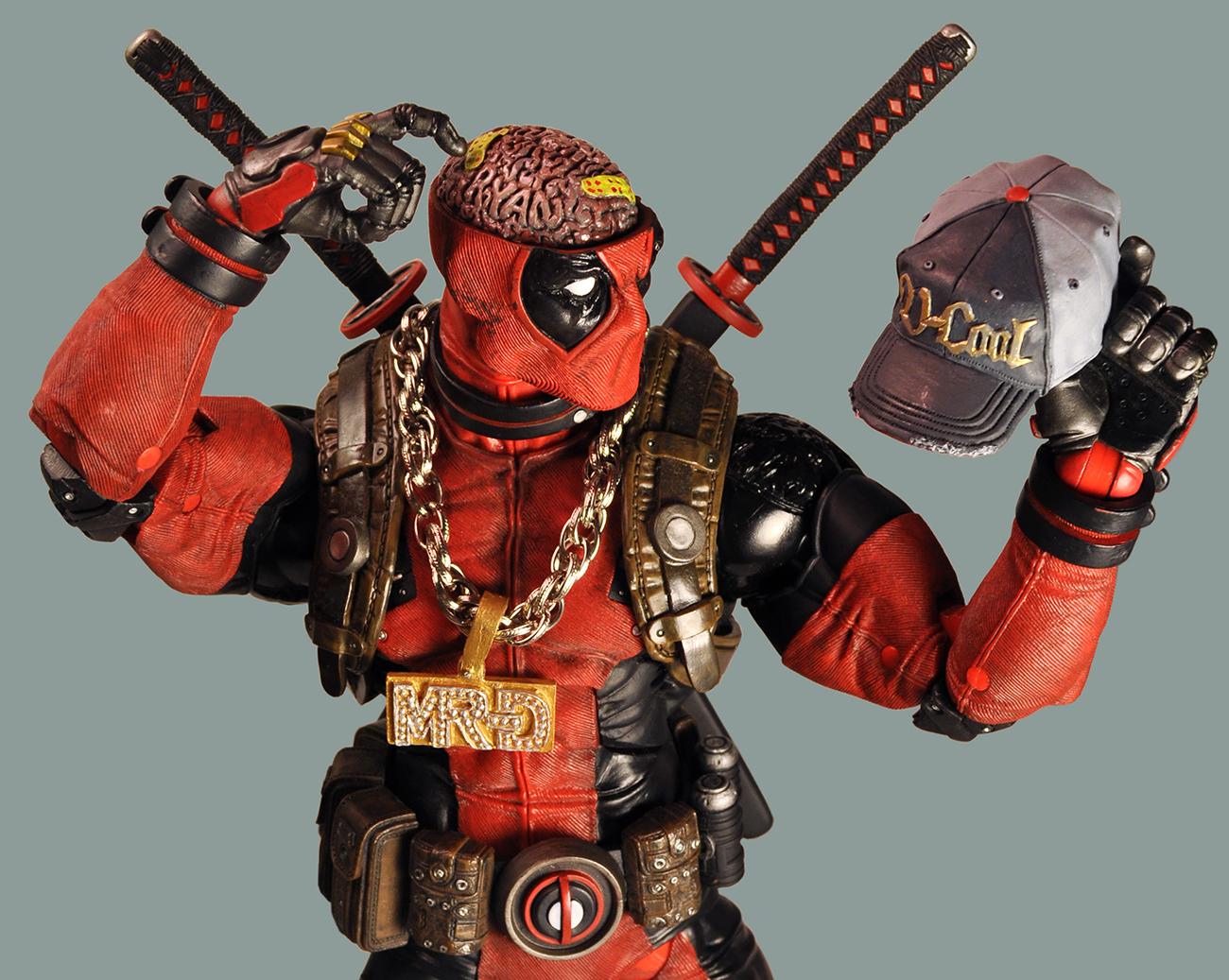 Resultado de imagem para Neca Deadpool Ultimate 1/4