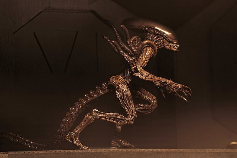 "Set of 2 NECA Alien Resurrection 7/"" Scale Action Figures Series 14"