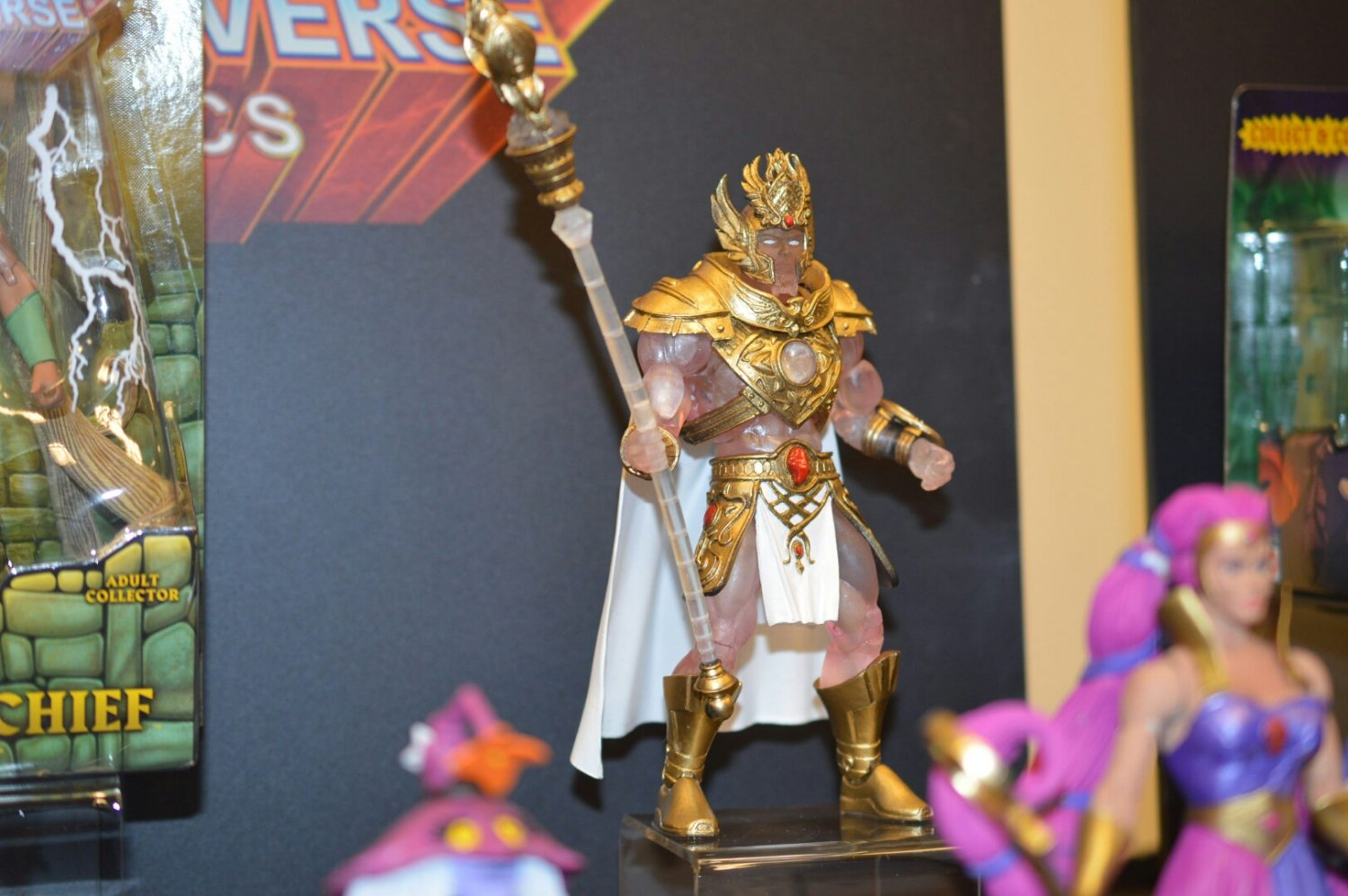 ToyHypeUSA Store – MOTUC Club Etheria Light Hope And Sweet Bee Pre-Orders