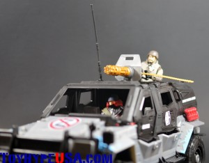 G.I. JoeCon 2014 Rescue Ops 4x4 Vamp Jeep 16