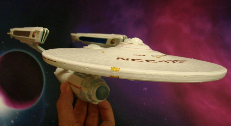 Diamond Select Toys Star Trek U.S.S. Enterprise A Undiscovered Country Edition Gallery