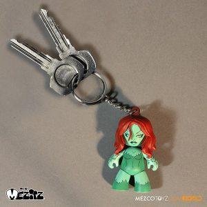 Mezco Summer Exclusive Poison Ivy Mini Mez-Itz Clip On 3