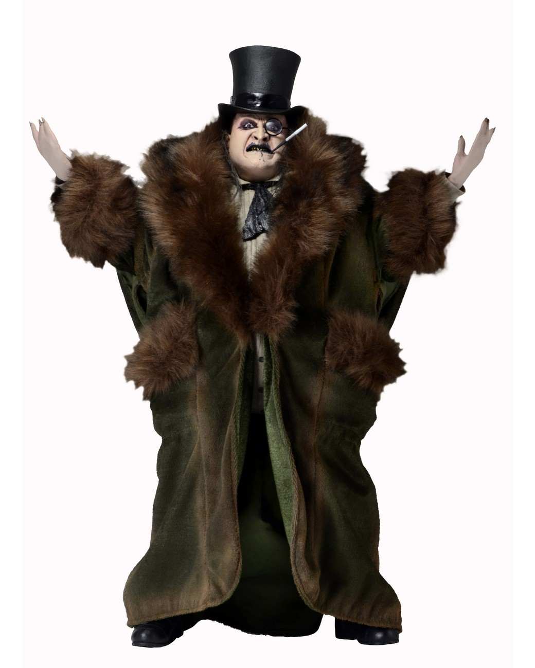 NECA Closer Look: Batman Returns Penguin 1/4 Scale Action Figure
