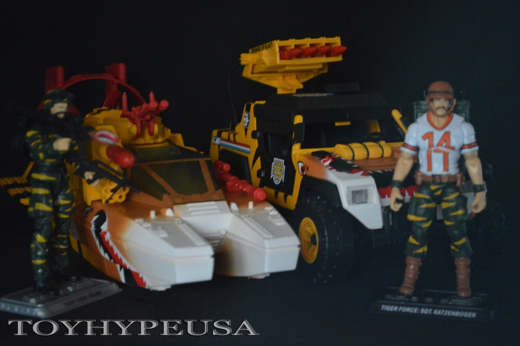 G.I. JoeCon 2015 Exclusive Tiger Force Tiger Shark & Tiger Sting Review