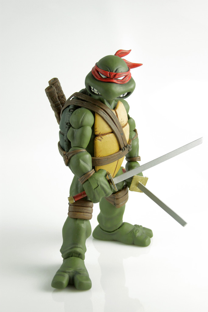 Mondo SDCC 2015 Exclusives – TMNT Comic Style Leonardo Sixth Scale Figure Announced