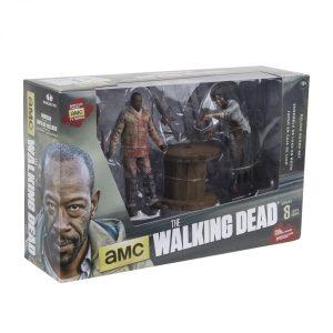 Walking-Dead-TV-S8-Morgan-and-Impaled-Walker-001