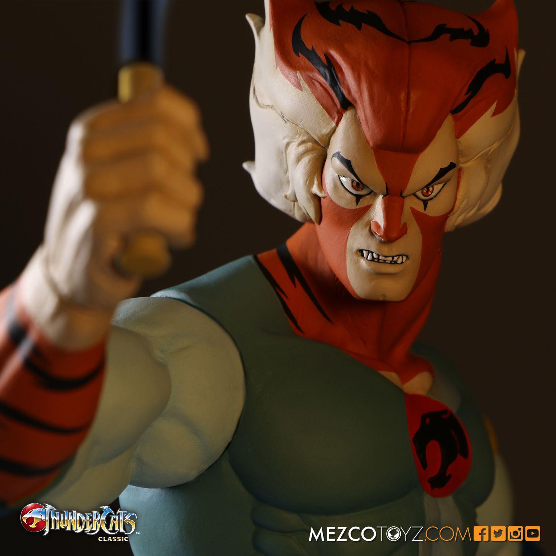 Mezco ThunderCats Tygra 14″ Mega Scale Figure