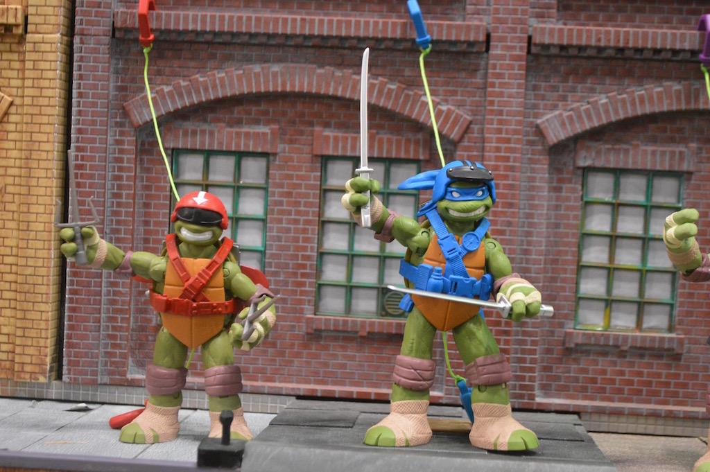 NYTF 2016 – Playmates Toys Teenage Mutant Ninja Turtles Booth Coverage