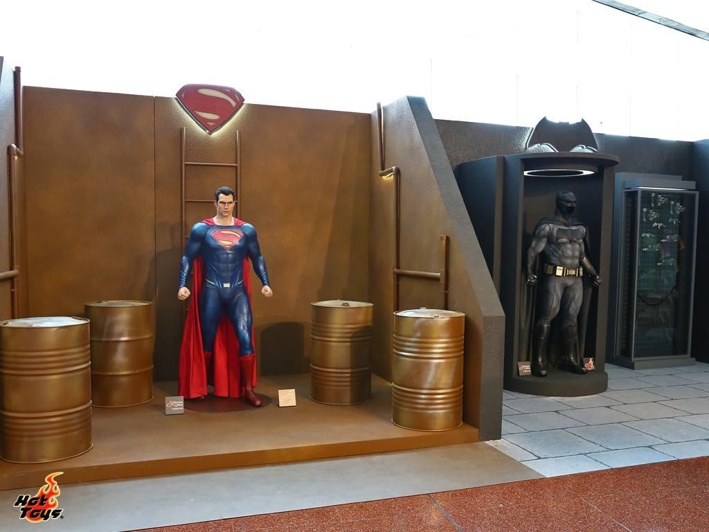 Hot Toys Showcases Batman v Superman Display In Hong Kong
