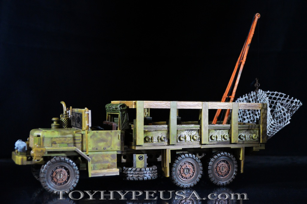 McFarlane Toys The Walking Dead Woodbury Assault Vehicle Construction Set Review