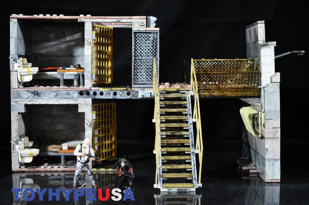 McFarlane Toys The Walking Dead Prison Catwalk Construction Set Review