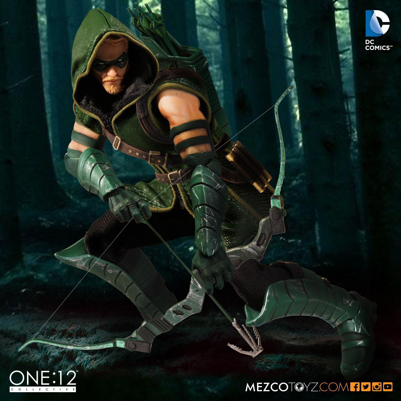 Mezco One:12 Collective Green Arrow Figure