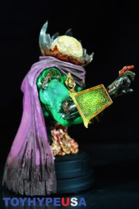 Gentle Giant Villain Zombies - Zombie Mysterio Mini Bust 14