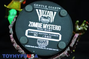 Gentle Giant Villain Zombies - Zombie Mysterio Mini Bust 19