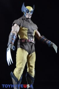 Sideshow Collectibles Wolverine Sixth Scale Figure 32