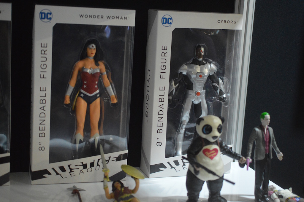 NYTF 2016 – NJ Croce Booth Coverage – Bendable Figures
