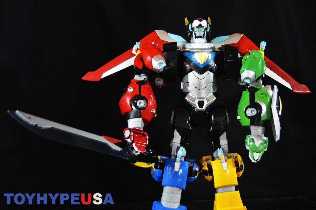 Playmates Toys Voltron Legendary Defender Combinable Lions Review