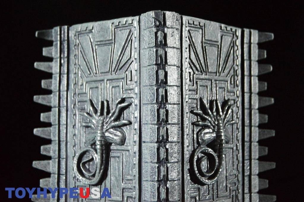 NECA Toys Alien Vs. Predator – Diarama Element Temple Pillar Replica Review