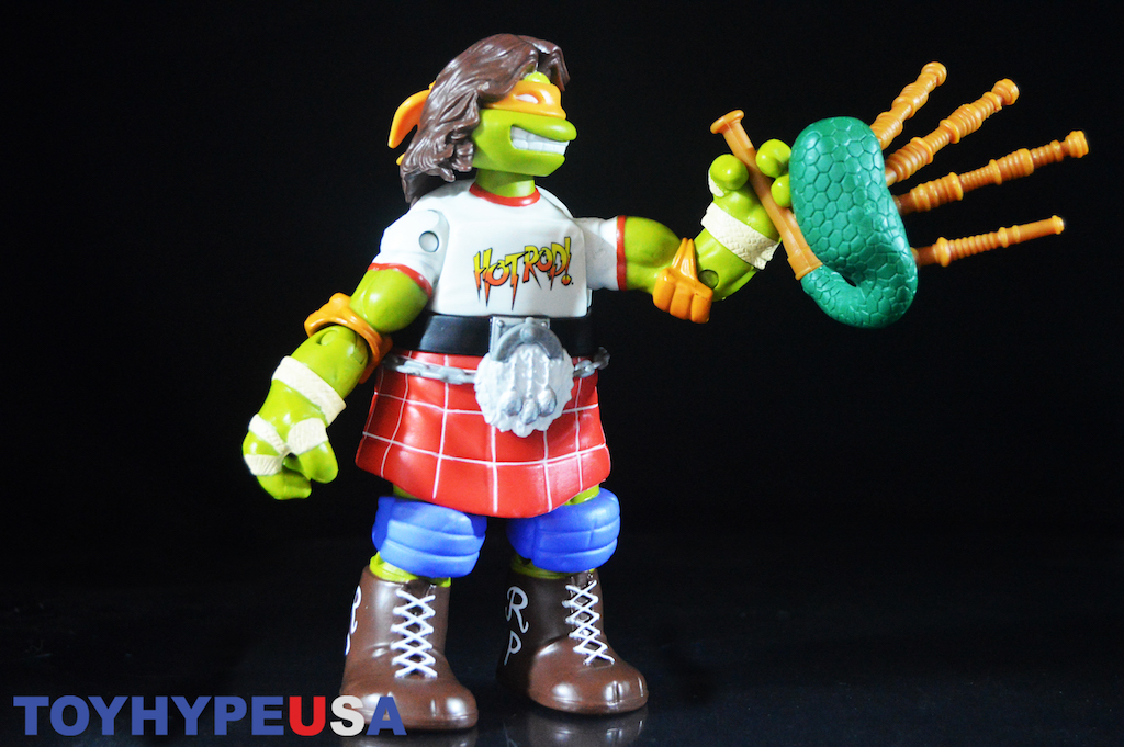 Playmates Toys Teenage Mutant Ninja Turtles WWE Michelangelo As Rowdy Roddy Piper 6″ Figure Review