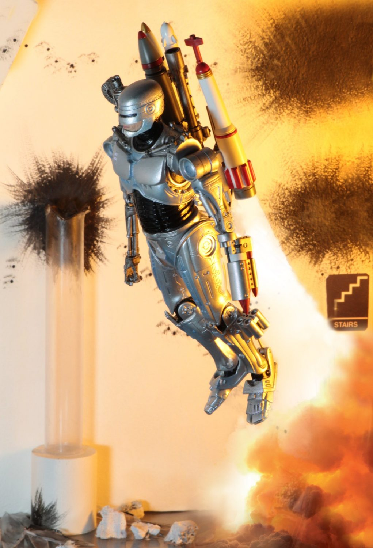 NECA Toys Ultimate Future Robocop From Robocop Vs. Terminator Comic – SDCC Preview