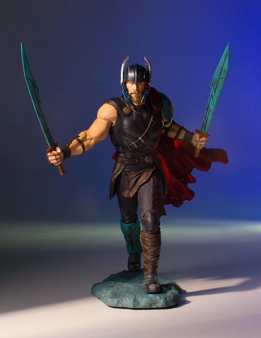 Gentle Giant Thor: Ragnarok Collectors Gallery Statue
