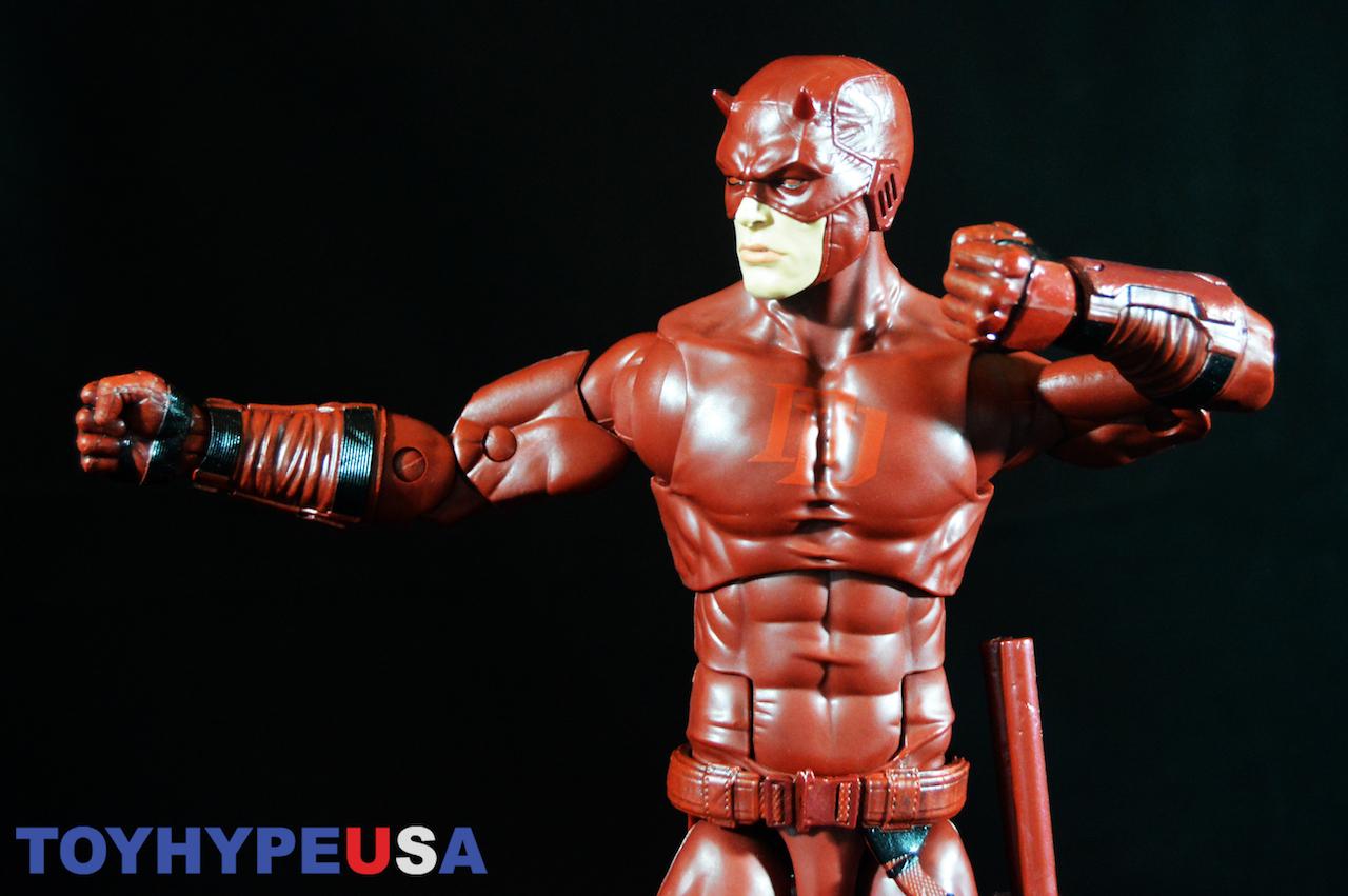 Hasbro SDCC 2017 Exclusive – Marvel Legends 12″ Daredevil Figure Review