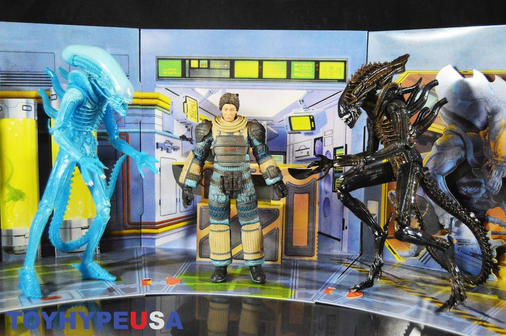 NECA Toys Aliens Series 11 – Blue Alien, Joan Lambert & Defiance Alien Figures Review