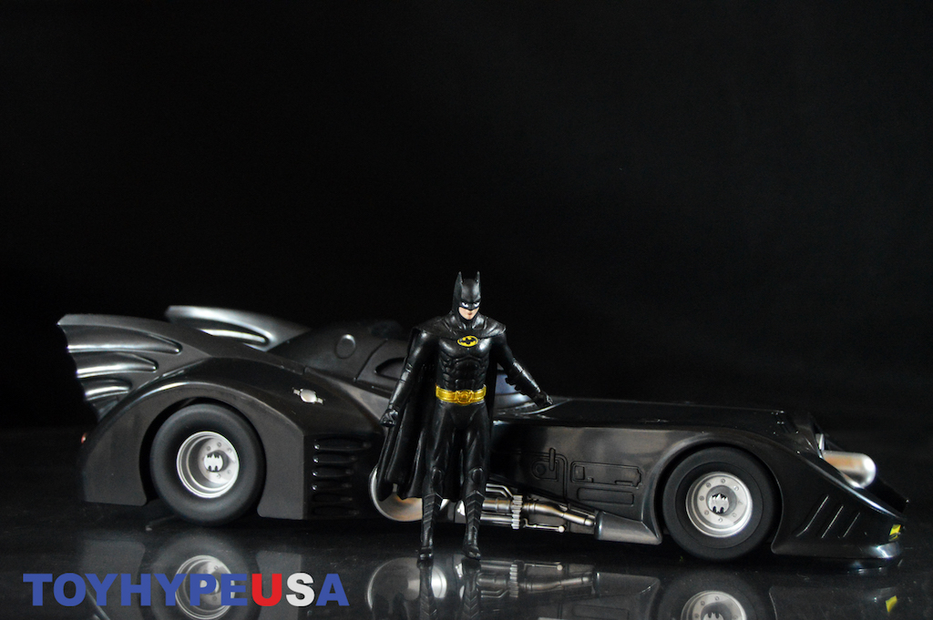 NJ Croce 1989 Batmobile With 3″ Batman Bendable Figure Review