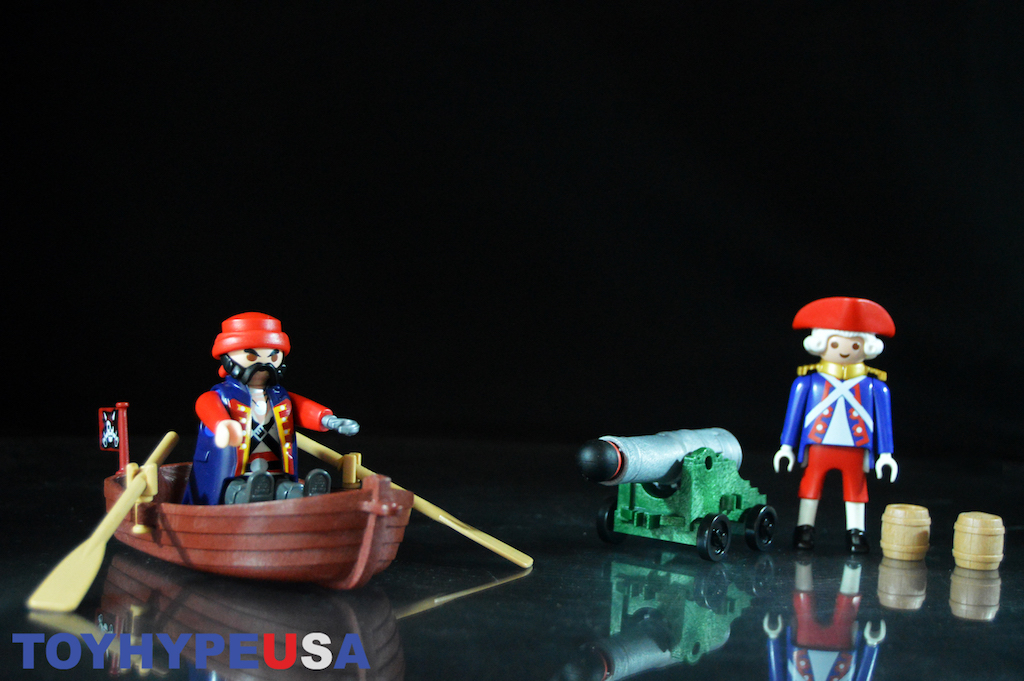 First-Look: Playmobil Pirates – Pirate Raider Carry Case Review