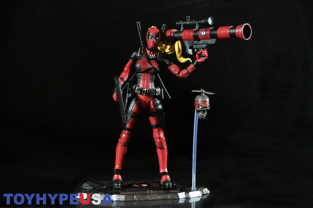 Diamond Select Toys Marvel Select Lady Deadpool Figure Review