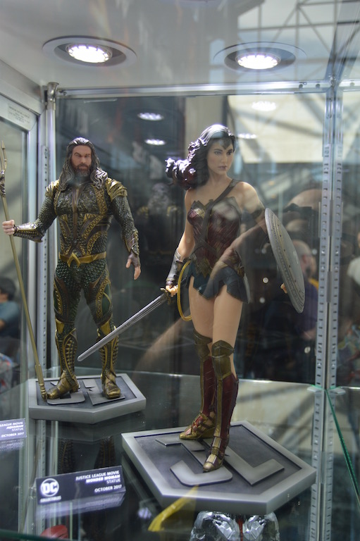 NYCC 2017 – DC Collectibles Justice League Movie Statues On Display