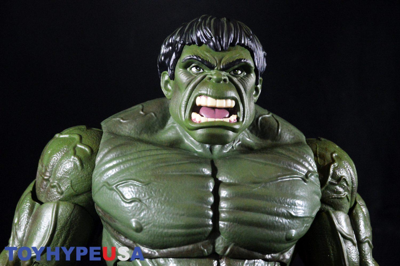 Hasbro Marvel Legends 12″ Hulk Figure Review & Giveaway