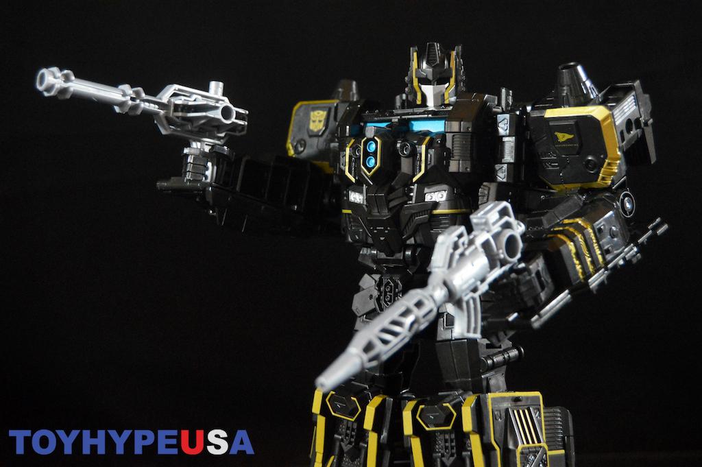 Hasbro SDCC 2017 Exclusive Transformers Primitive Skateboarding Optimus Prime Figure Review