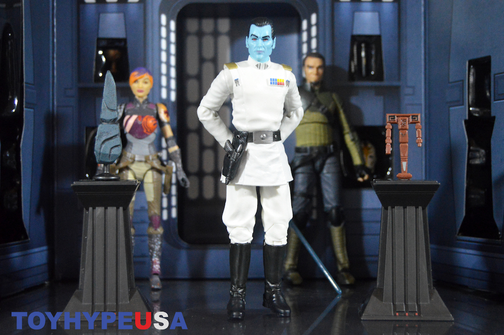 Hasbro Star Wars SDCC 2017 Exclusive The Black Series Grand Admiral Thrawn Figure Review