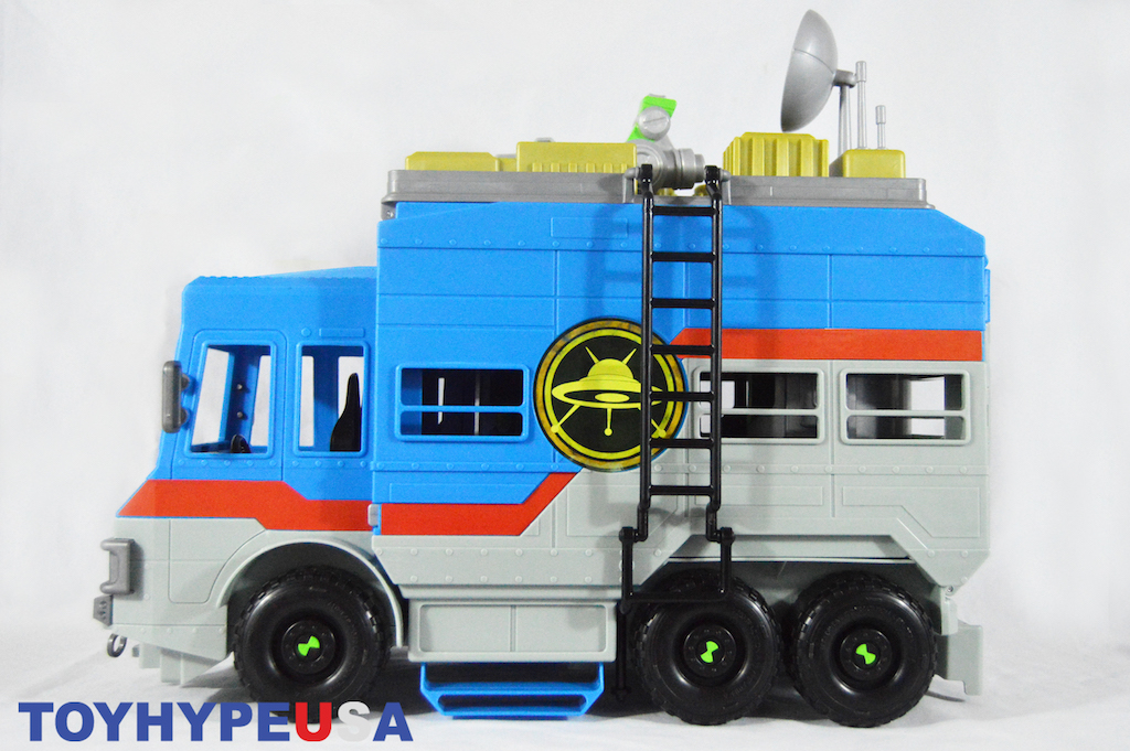 Playmates Toys Ben 10 Rustbucket Transforming Vehicle To Playset Review