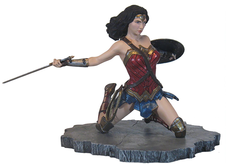 Diamond Select Toys Justice League Wonder Woman & Superman Statues Available Now