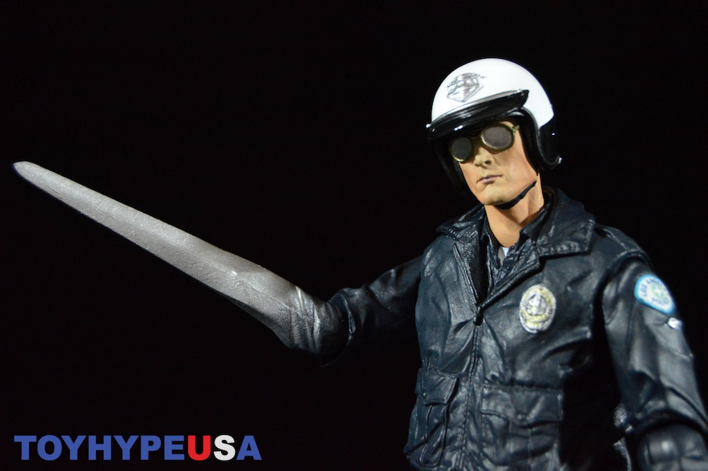 NECA Toys Terminator 2 Ultimate T-1000 Motorcycle Cop 7″ Figure Review