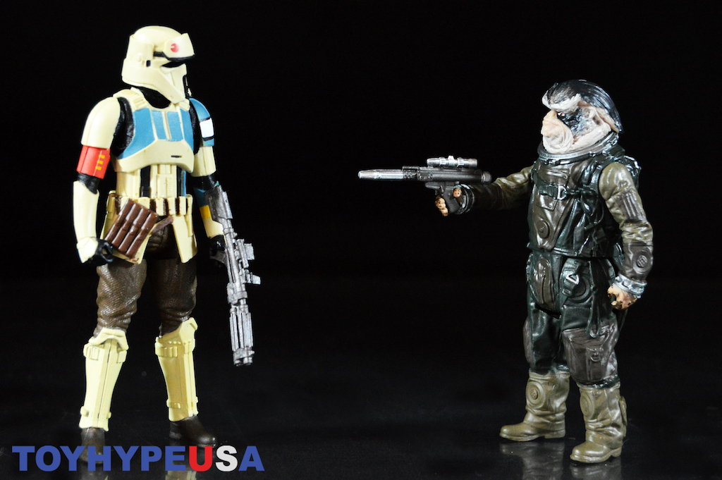 Entertainment Earth Exclusive – Star Wars Rogue One Shoretrooper & Bistan Figure Set Review