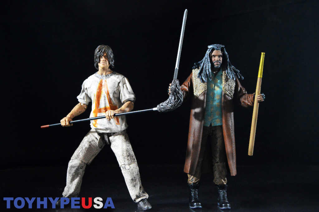McFarlane Toys The Walking Dead Prisoner Daryl Dixon & Ezekiel 7″ Figures Review