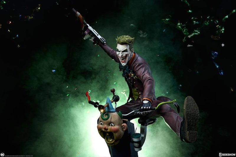 Sideshow Collectibles DC Comics The Joker Premium Format Figure