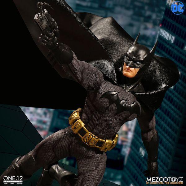 Mezco Toyz One:12 Collective Sovereign Knight Batman Figure