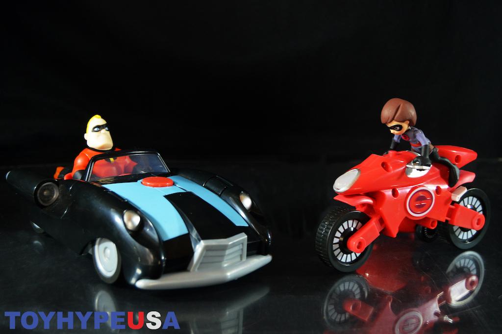 Jakks Pacific Incredibles 2 Elastigirl & Elasticycle, Incredibile Car & Mr. Incredible Review