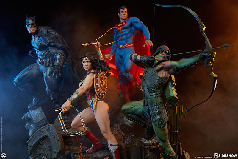 Sideshow Collectibles DC Comics Green Arrow Premium Format Figure