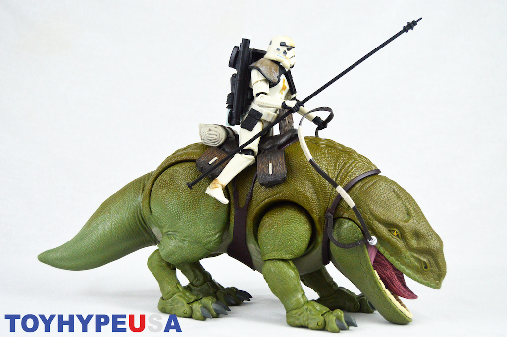 Hasbro Star Wars The Black Series 6″ Dewback & Sandtrooper Figures Review