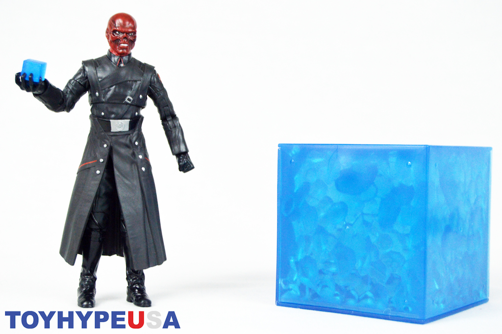 Hasbro San Diego Comic-Con 2018 Exclusive Marvel Legends Red Skull Figure With Electronic Tesseract Review