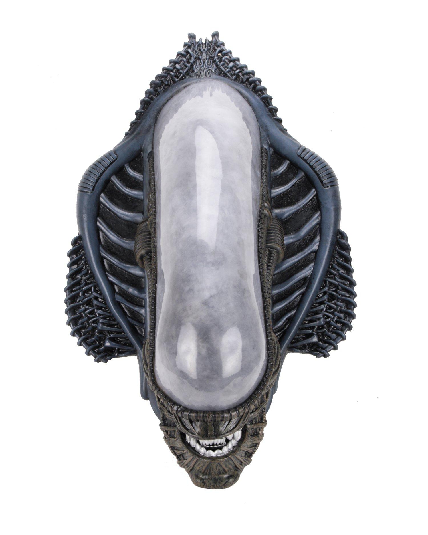 NECA Toys Predator & Alien Xenomorph Wall-Mounted Bust