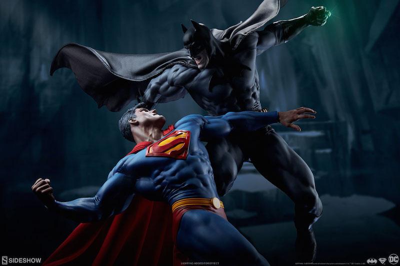 Sideshow Collectibles DC Comics Batman Versus Superman Statue