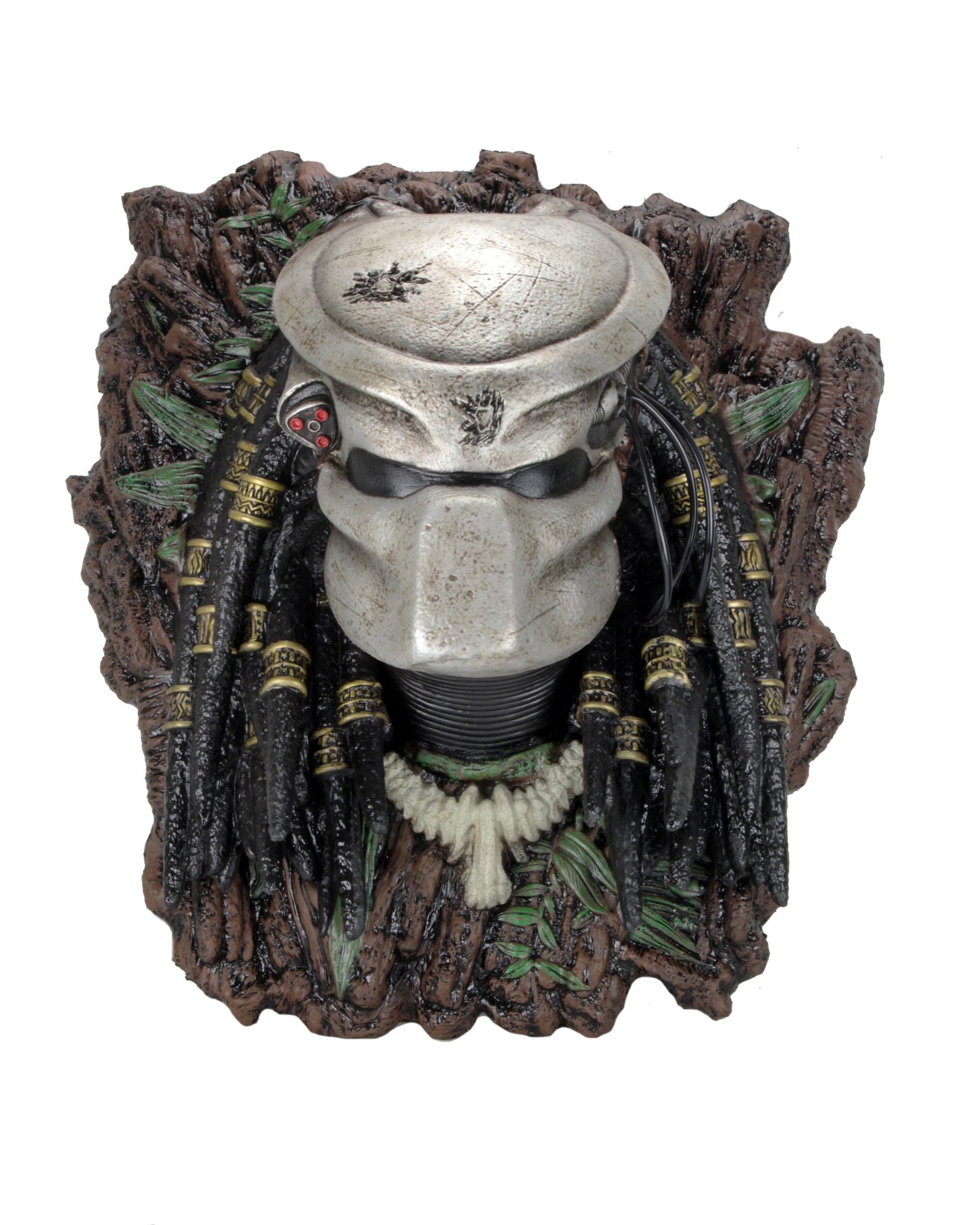 NECA Toys Predator & Alien Xenomorph Wall-Mounted Bust Available Now