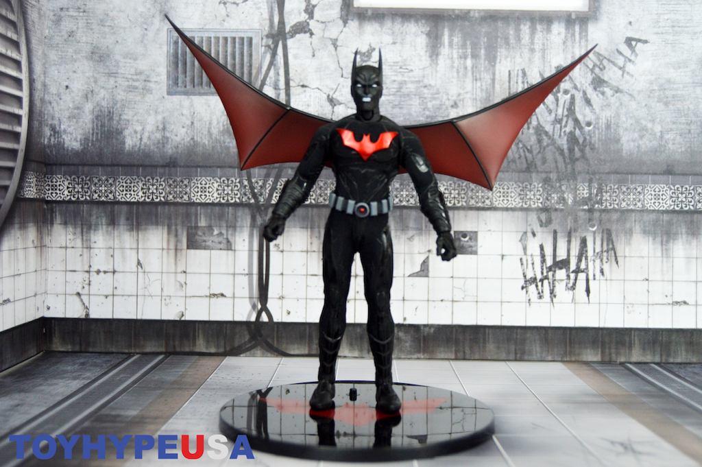 Mezco Toyz SDCC 2018 Exclusive Batman Beyond One:12 Collective Figure Review