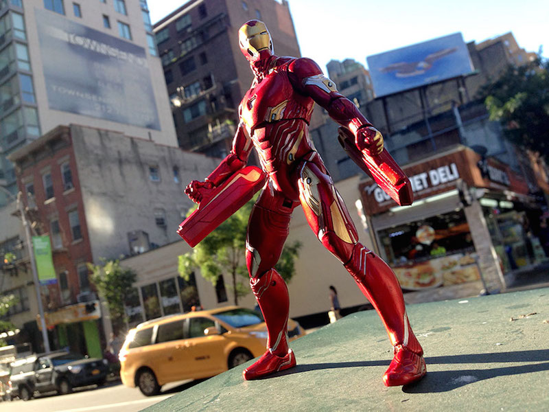 Marvel Select Iron Man Exclusive Figure Brings Infinity War To The Disney Store